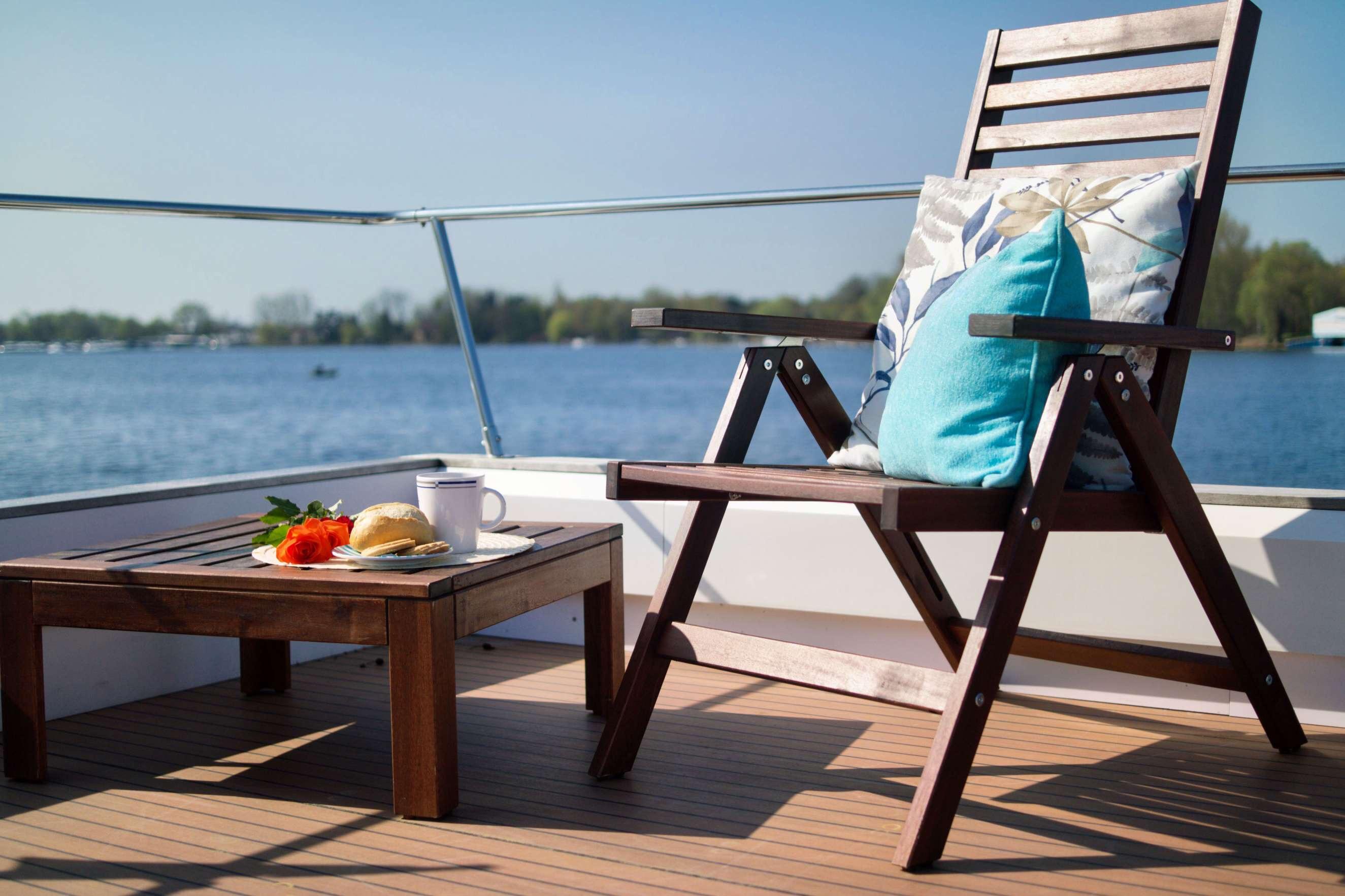 hausboot edelweiss hausboot mieten hausboot charter hausboot kaufen in brandeburg havel. Black Bedroom Furniture Sets. Home Design Ideas